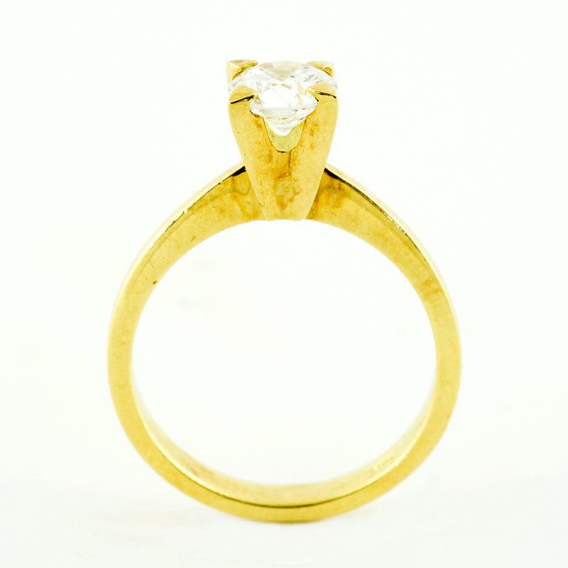 Anillo Solitario en Oro de 18k con Diamante Natural Talla Brillante de 0,78 ct. (G-H/SI2). Certificado IGE.