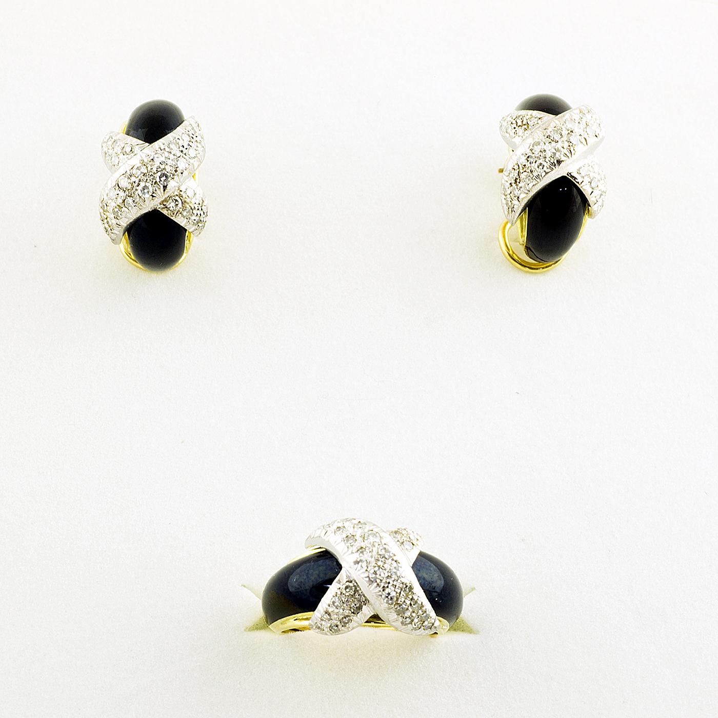 Conjunto de Sortija y Pendientes, en Oro Bicolor, con Esmalte y 102 Diamantes Naturales, de 3,60 ct. total. Color, G-H. Claridad, VVS1-VVS2.