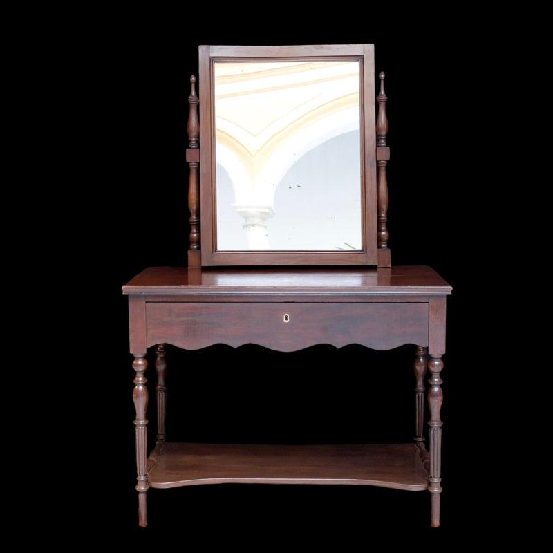 Mueble Tocador con Espejo en Caoba. Siglo XIX.