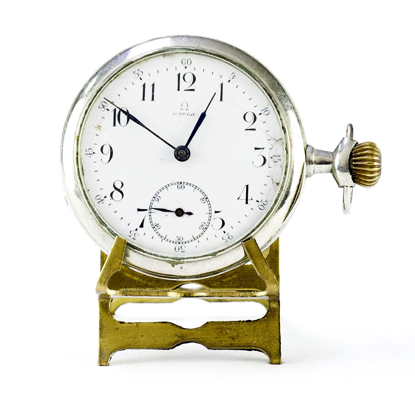 OMEGA. Reloj Suizo de Bolsillo, lepine y remontoir. Suiza, año 1916.