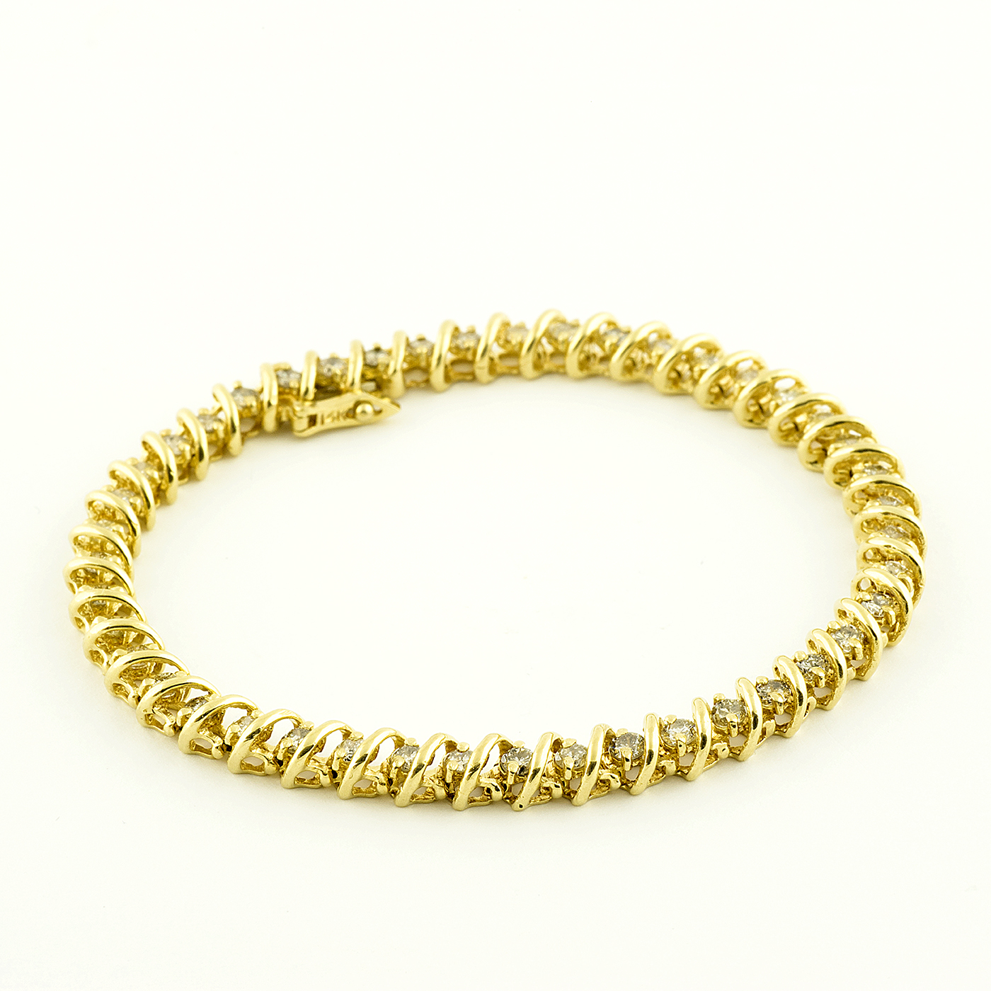 Pulsera Riviere, en Oro con 44 Diamantes talla Brillante de 2,42 ct. Color,L-M. Pureza:SI1-SI2