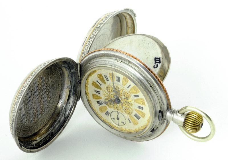 Reloj de Bolsillo para caballero, Saboneta y remontoir. Finales XIX.