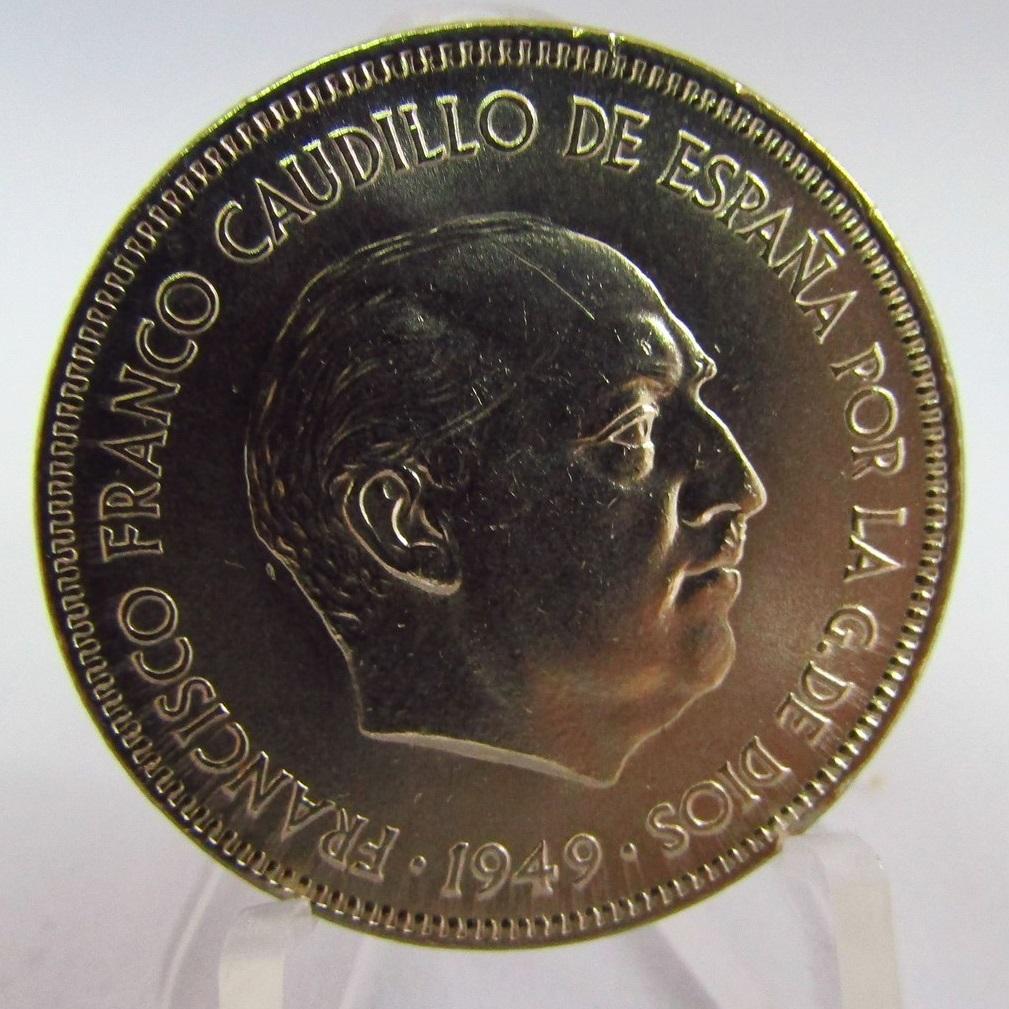 Una moneda de CINCO PESETAS. Año 1949 FRANCO.Ni-Fe.