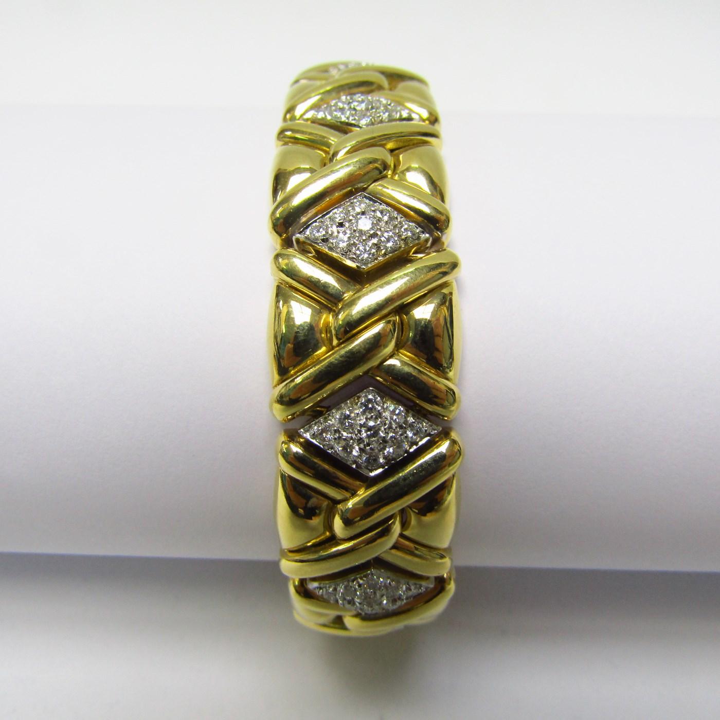 Pulsera de Oro de 18k con 117 Diamantes talla Brillante de 4,75 ct. (H-I/VS1-VS2). 78 gr.