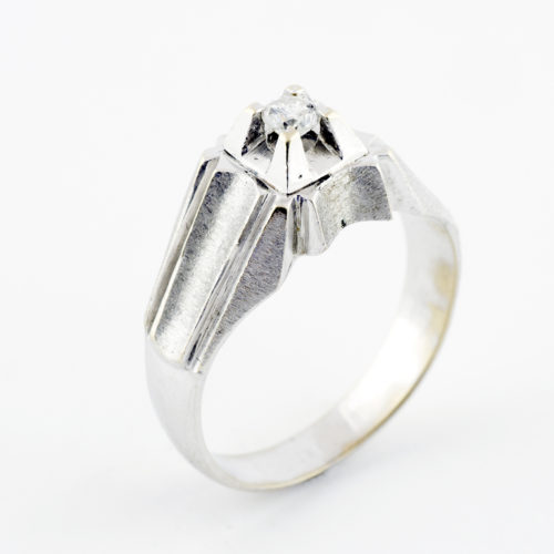 Anillo en Oro Blanco de 18k con Diamante talla Brillante de 0,15 ct. (G-VS2). 6,78 gr.