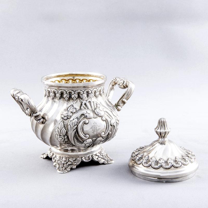 Gran Juego de Café y té estilo Luis XV.