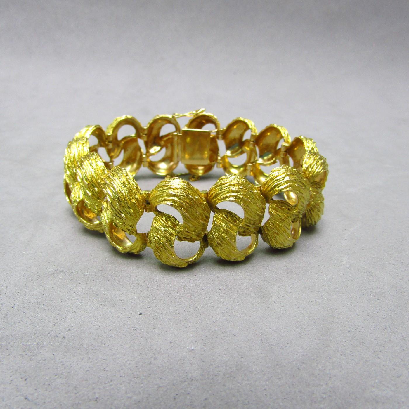 Pulsera realizada en oro amarillo de 18 K. 57 gr.